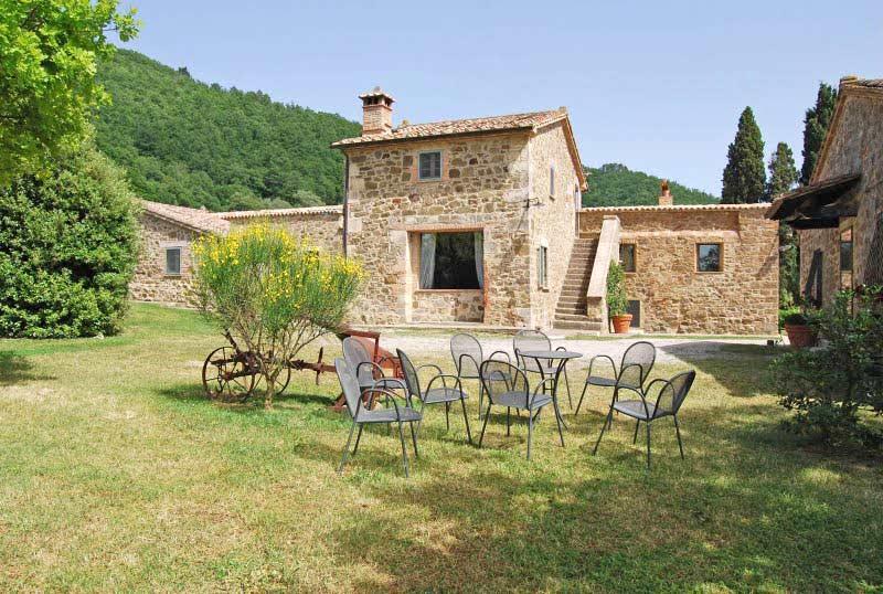 Location maisons chianciano terme villa orcia en - Immagini case belle esterno ...