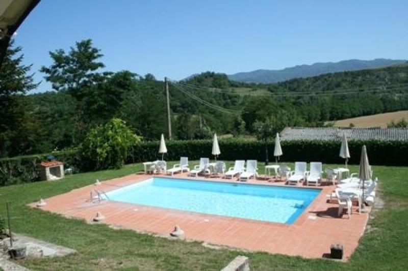 Location maisons vicchio mugello villa gioia toscane for Jardin 400m2 piscine